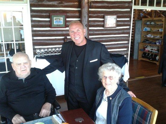 Pictou Lodge Beachfront Resort: My parents / 68th wedding anniversary diner