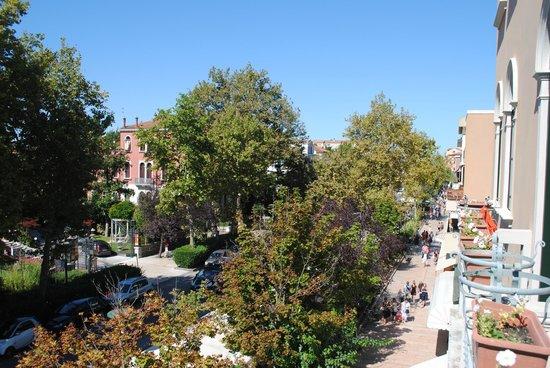 Hotel Cristallo -- Lido: View on the Gran Viale