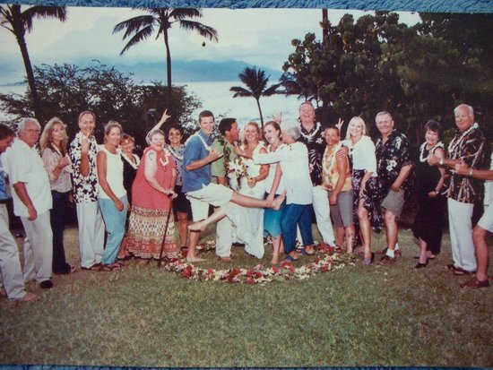 Wailea Beach : The wedding party!