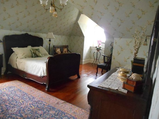 Rockcliffe Mansion: Bedroom