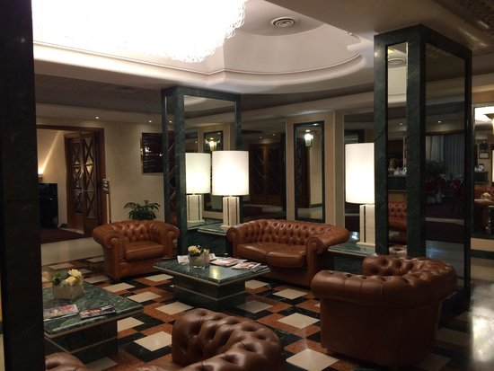 Etrusco Arezzo Hotel: Hall dell'Etrusco