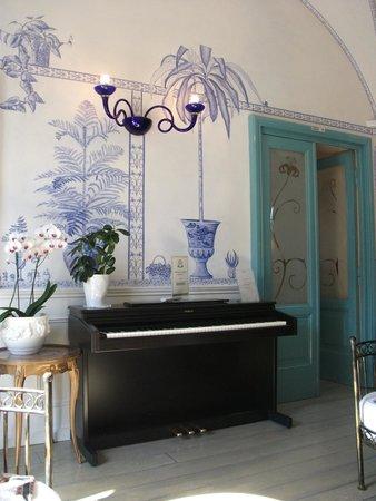 Lilium Hotel: Lounge room
