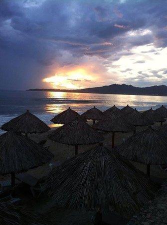 Samba Vallarta All Inclusive : Sunset and beach cabanas at the Samba