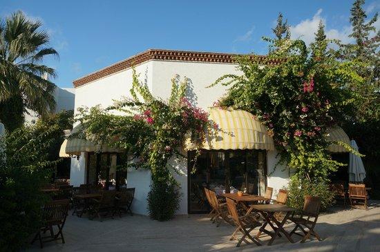 Hotel Karia Princess: Restaurant im Garten