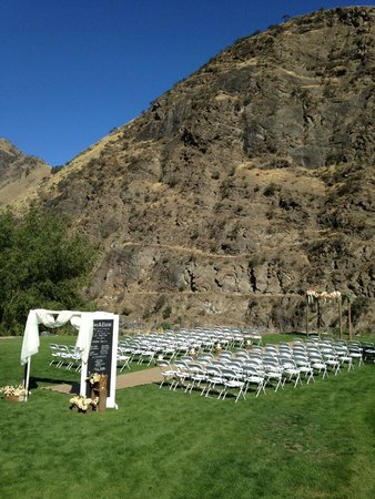 Salmon Rapids Lodge: Ceremony