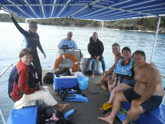 Hakau Adventures Day Cruises : Our group for the day. What a fun group of people.