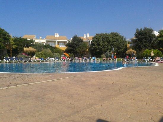 Isla Del Aire Apartments : Pool area