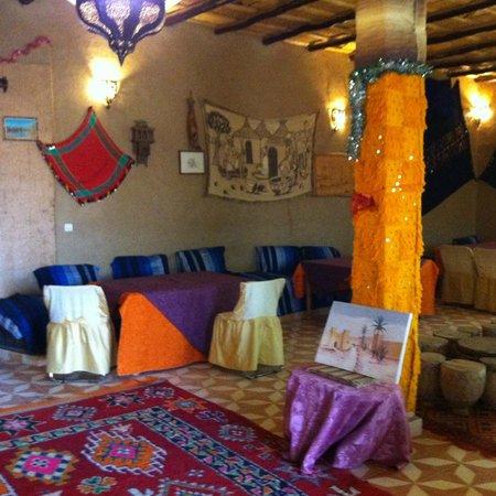 Yasmina Hotel Merzouga: Part of the dining area