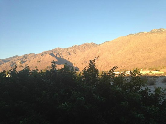 Courtyard by Marriott Palm Springs: View from Balcony