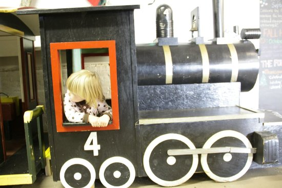 Maine Narrow Gauge Railroad Company and Museum: Museum toy train