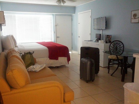 Silver Surf Gulf Beach Resort: the room: studio suite