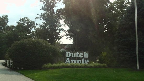 Dutch Apple Dinner Theatre : As the sun sets.....