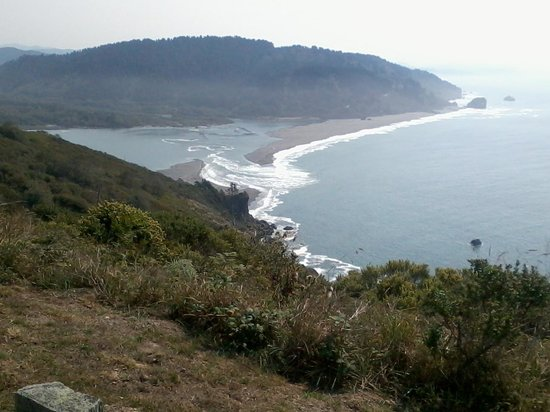 High tide surge at the mouth of the Klamath River