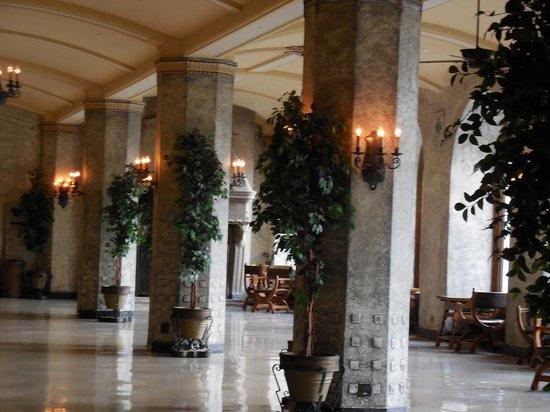 ذا فيرمونت بانف سبرنجز: Inside hotel.