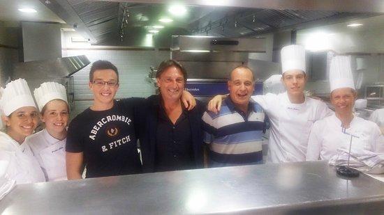 Hoffman Cocina | En La Cocina Con La Chef Y Estudiantes Fotografia De Restaurante
