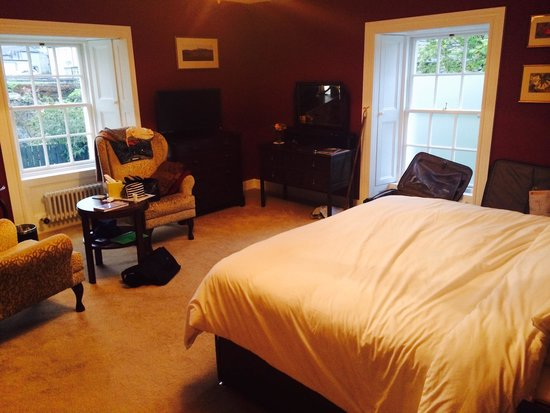 Highland Spirit Bed and Breakfast: Bank manager room