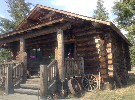 Stoneridge Resort : antique store