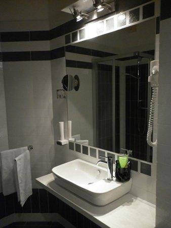 Garni Seventy Design Rooms: Bagno