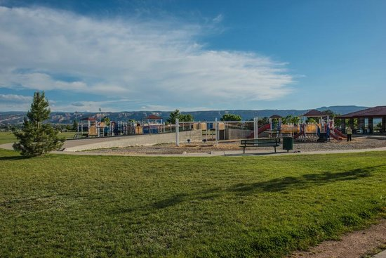 Canyon View Park: Playground