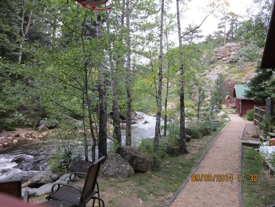 Swiftcurrent Lodge On The River: View from the deck