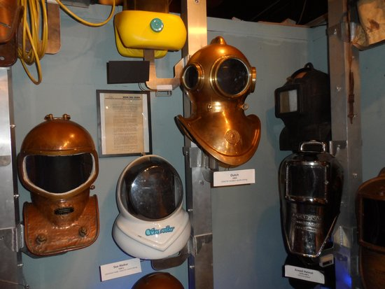 History of Diving Museum : Artifacts