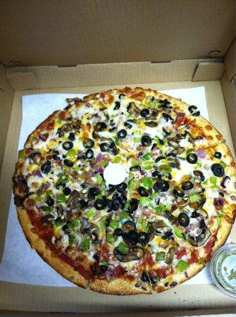 Orosi, CA: VEGGIE PIZZA-Large, AWESOME!!!