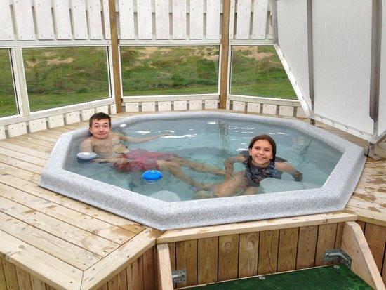 Hotel Laekur: Enjoying the hot tub.