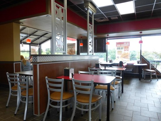 Interior Dining At Hardees Wytheville Picture Of Hardees