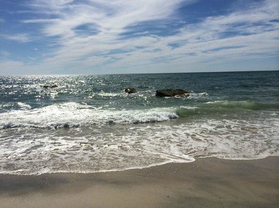 Outermost Inn : The beach in the afternoon