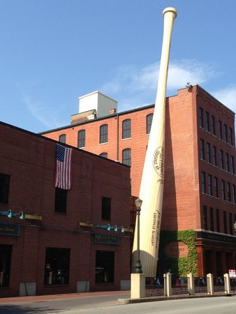 West Main Historic District: Louisville Slugger Museum & Factory
