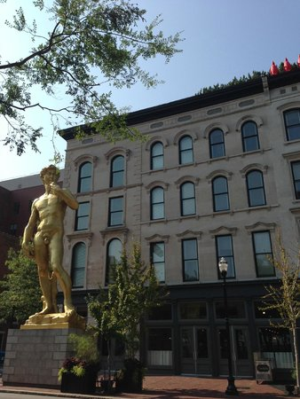 West Main Historic District: 21c Museum Hotel