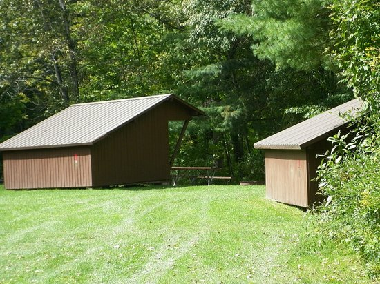 Winhall Brook Campground: Shelters