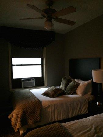 Majestic Hotel: bedroom