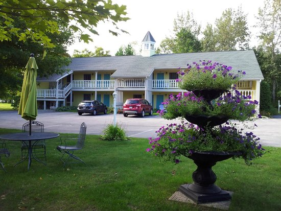 Ephraim Motel: View from the sitting area of the front units.