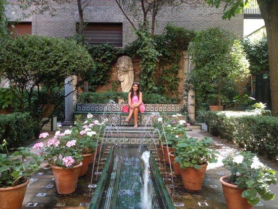 Musée Sorolla : Fuente, en el jardín