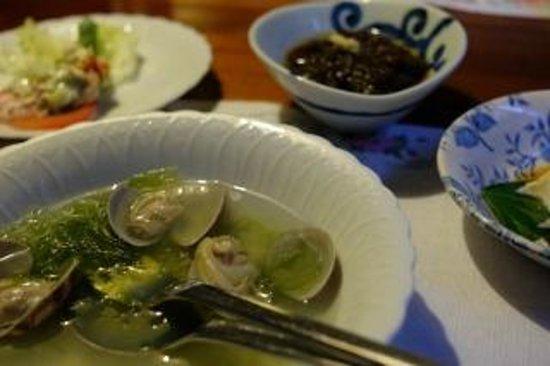 Pension Iriomote: 夕食の一部