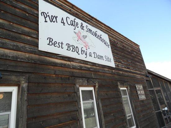 Pier 4 Cafe & Smokehouse, Alma, WI