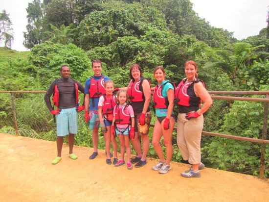 Mount Hope Waterfall: Our group