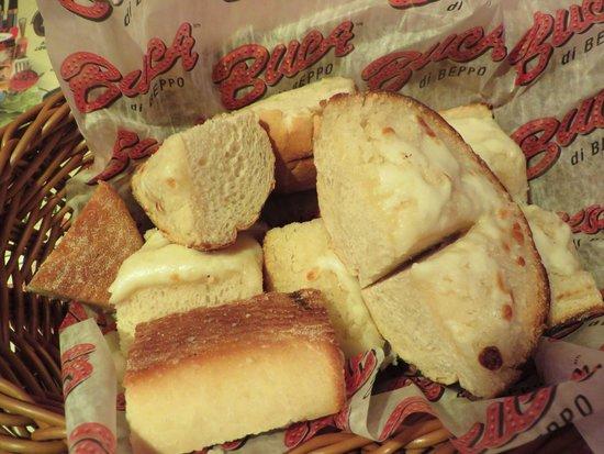 Buca di Beppo: Garlic Bread