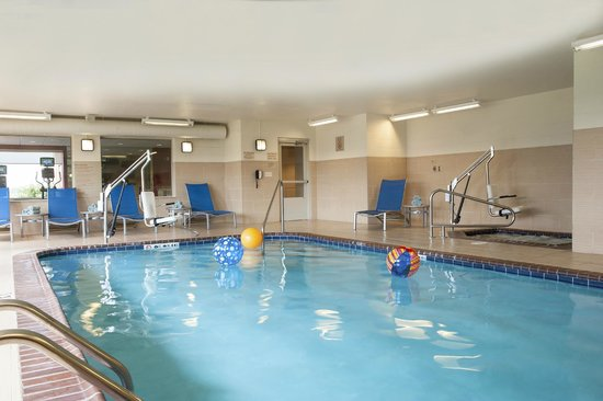 TownePlace Suites Des Moines Urbandale: Indoor pool