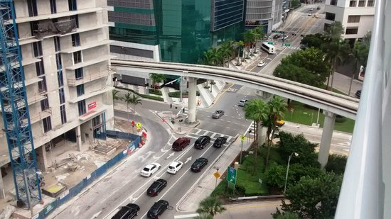 Courtyard Miami Downtown/Brickell Area: View from a high floor room