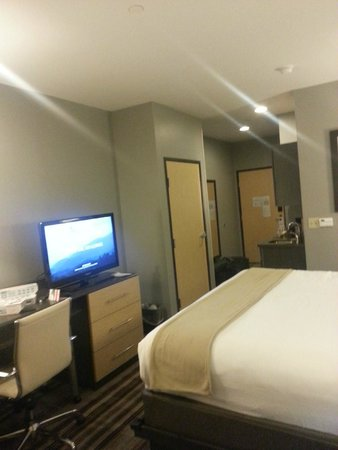 Holiday Inn Express & Suites Amarillo West: Very Clean and Modern Rooms