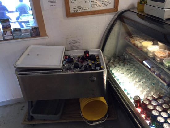 City Seafood : Cold beer on ice - refreshing!
