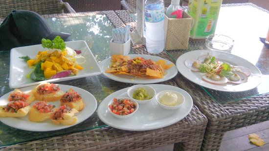Boardwalk Restaurant & Lounge : A lil light lunch