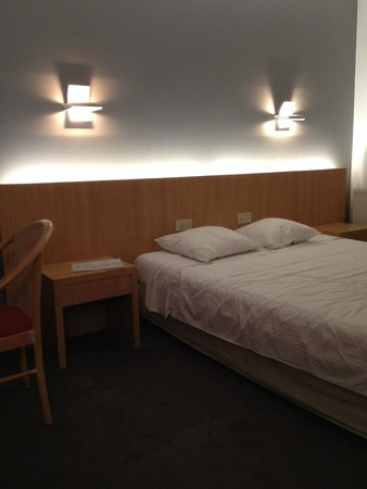 Parkhotel Roeselare: A view of my bedroom