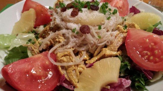 Chez Ma Cousine: Salade de poulet indien correct mais pas exceptionnelle