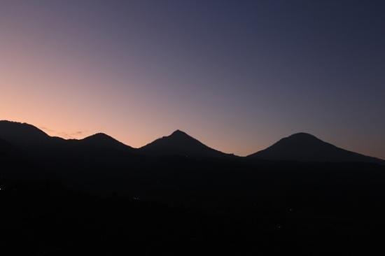 Puri Alam Bali Bungalows: levé du soleil.