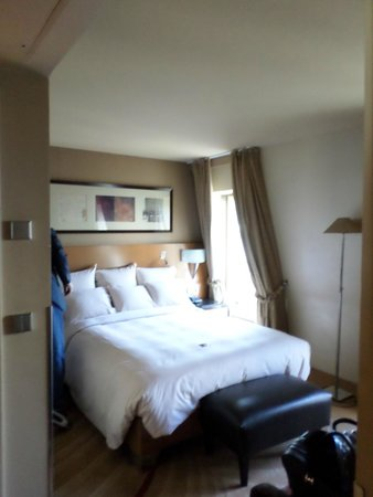 Renaissance Paris Vendome Hotel: suite pix