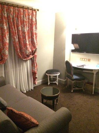 Hotel De Buci by MH : cute living room