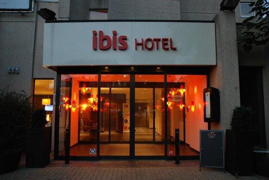 Ibis Antwerpen Centrum: Вход